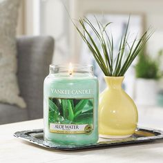 Overdone the chocolates, mulled wine and roast potatoes? Maybe it's time for a mini detox with our refreshing Aloe Water Candle 💦A clean and refreshing blend designed to create a wonderfully relaxing experience. Click Link in Bio to Shop. #MyYankeeCandle #YankeeCandle #AloeWater