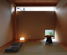 Image 6 of 18 from gallery of Residence in Tsuruhara / Matsunami Mitsutomo. Photograph by Matsunami Mitsutomo Tatami Room, Zen Style, Zen Room, Bar Lounge, Japanese House, Modern House Design, Home Decor Inspiration, Home Interior Design, Home Projects