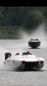 Powerboating moment in time, photo  (c) Karel Overlaet - medianaut.be