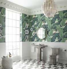 The Iconic Beverly Hills™ Banana Leaf Wallpaper - Classic Green - Sold Per Single Roll