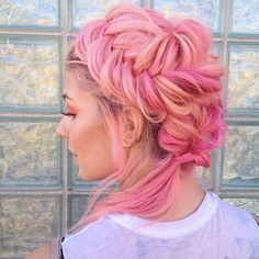 87 unique ombre hair color ideas to rock in 2018 - Hairstyles Trends Hair Color 2018, Latest Hair Color, Hair Color Pink, Fall Hair Colors, Hair 2018, Hair Colours, Braided Hairstyles Updo, Cool Hairstyles, Braided Updo