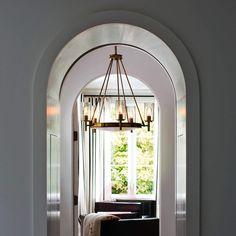 5-punktowy żyrandol Collier   Lampy.pl Vintage Light Bulbs, Vintage Lamps, Vintage Lighting, 5 Light Chandelier, Flush Ceiling Lights, Lamp Light, Lighting Showroom, Beautiful Lights, Messing
