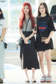 Suzy Bae Fashion, Kpop Fashion, Star Fashion, Korean Fashion, Girl Fashion, Fashion Outfits, Airport Fashion, Daily Fashion, J Pop