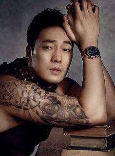 So ji sub tattoo So Ji Sub, Korean Star, Korean Men, Asian Actors, Korean Actors, Korean Celebrities, Live Action, Dramas, Bae