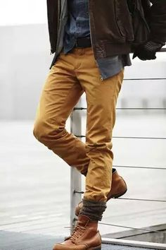 Nice combo caramel Chinos, blue sweater
