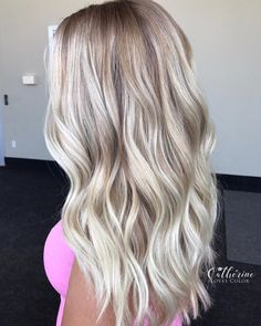 Shop our online store for blonde hair wigs for women.Best Lace Frontal Hair Blonde Wigs Beach Wave Lace Front Wig From Our Wigs Shops,Buy The Wig Now With Big Discount. Blonde Hair Looks, Brown Blonde Hair, Blonde Wig, Best Blonde Hair, Blonde Waves, Beach Blonde, Dark Blonde, Frontal Hairstyles, Wig Hairstyles