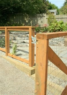 Refined Front yard fence australia,Front yard fence materials and Modern fence railing. Backyard Fences, Garden Fencing, Lawn And Garden, Home And Garden, Reed Fencing, Front Yard Fence, Fenced In Yard, Dog Fence, Small Fence