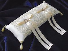ateliersarah's ring pillow – Wedding ideas Wedding Ring Cushion, Wedding Pillows, Cushion Ring, Ring Bearer Pillows, Ring Pillows, Bridal Rings, Wedding Rings, Lace Ring, Wedding Crafts