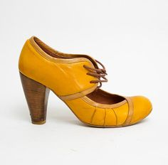 1990's Yellow Pumps  Vintage 1940's Leather Wrapped by mijumaju, $29.00