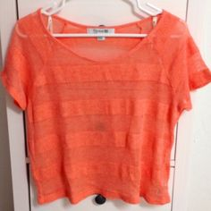 ☀️Orange top☀️ Short-sleeve orange top with a stripe pattern. Perfect for summer!  In great condition.  Tag says size L but runs small so tagging as medium Forever 21 Tops