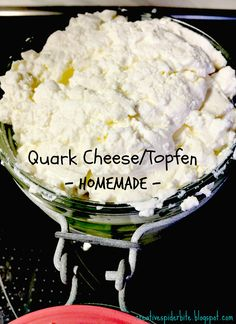Bitten by that creative Spider: Quark cheese - A love I thought lost Quark Recipes, Goat Milk Recipes, Cheese Recipes, Paleo Recipes, Homemade Cheese, Homemade Butter, How To Make Cheese, Food To Make, Making Cheese