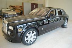 Rolls-Royce Phantom Sedan Black Color
