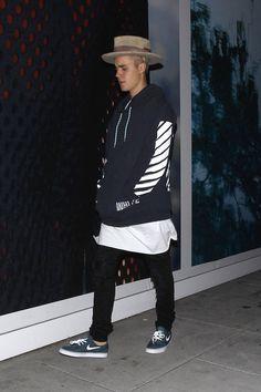 Photos : Justin Bieber Nu Sur La Toile : Il Réagit Enfin !
