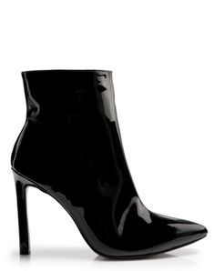AMARO Feminino BOTA CANO CURTO SALTO FINO VERNIZ, PRETO Casual Jeans, Casual Shoes, Dream Shoes, Sock Shoes, Minimalist Fashion, High Heels, Dance Shoes, Shoe Bag, Boots