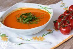 Čerstvá rajčinová s mozzarellou - Powered by Russian Recipes, Mozzarella, Thai Red Curry, Soup, Diet, Ethnic Recipes, Easy, Polish, Vitreous Enamel