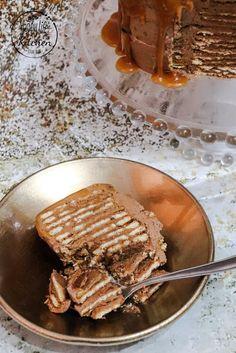 Bolo de Bolacha com Cobertura de Caramelo Salgado Artisan Bread Recipes, Natal Diy, Candy Cakes, Marzipan, Crepes, Pancakes, Sweets, Breakfast, Food