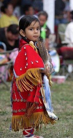 Precious Lakota girl enjoying a Pow Wow in her beautiful costume. Native American Children, Native American Beauty, Native American Photos, Native American History, Native American Indians, American Indian Girl, American Pride, Indian Heritage, Pow Wow