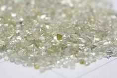 Watch: A Hydraulic Press Smashes a $4,000 Diamond to Pieces