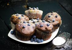 Áfonyás-fehércsokis muffin Muffin, Eat Dessert First, Food And Drink, Breakfast, Sweet, Cupcake, Diet, Yogurt, Bakken