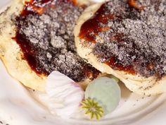 Trnkovo_makovy_bales Cheesesteak, Bali, Pancakes, Cookies, Breakfast, Ethnic Recipes, Desserts, Food, Hampers