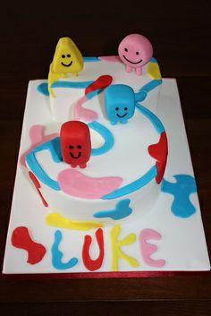 Mister Maker shapes cake