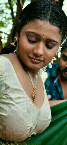 Indian Natural Beauty, Indian Beauty Saree, Asian Beauty, Cute Beauty, Beauty Full Girl, Beauty Women, Indian Actress Hot Pics, Most Beautiful Indian Actress, Actress Photos