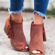 Shiny Shoes, Fab Shoes, Peep Toe Shoes, Crazy Shoes, Me Too Shoes, Shoes Heels, Cute Flats, Cute Shoes, Bootie Boots