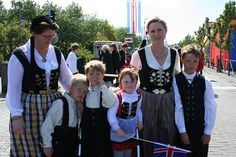 Reykjavik National Day - Icelandic family in traditional dress - June 17, 2008 by acunsolo, via Flickr