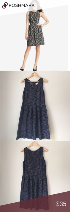 LOFT Blue Textured Knit Pleat Dress Size 8 Lightweight textured Knit Pleated dress in blue by Ann Taylor LOFT. Sleeveless. Rear zip. Size 8. EUC. LOFT Dresses Midi