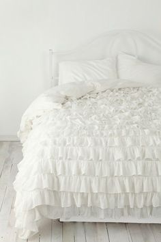 | Copy Cat Chic | chic for cheap: Pottery Barn Teen Rufflicious Quilt