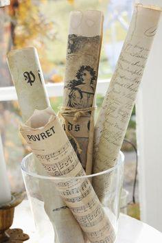 LINNEAGÅRDEN Nice way to display papers
