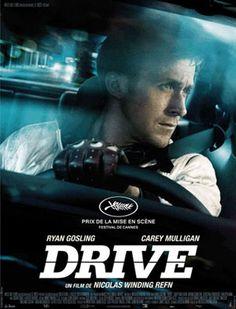 En Los Ángeles, un joven especialista (Ryan Gosling) de escenas de riesgo en conducción de coches para películas se ofrece, para ayudar a su vecina (Carey Mulligan), como conductor para atracos por las noches.