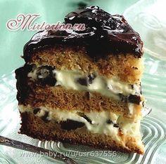 """Торт """"Чернослив в шоколаде """"яйца – 2 шт., сгущеное молоко (белое) — 1 банка; мука — 160 грамм; сода — 12 грамм; лимонный сок — 1 стол.ложка; какао — 75 грамм; растительное масло (рафинированное) — 40 мл; шоколадное или обычное сливочное масло — 50 грамм (для смазывания формы); Pie Recipes, Baking Recipes, Napoleon Cake, Russian Cakes, Russian Recipes, Pastry Cake, No Bake Desserts, Food To Make, Cupcake Cakes"""