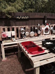 Development of existing mud kitchen. This, with the bark, would be the favourable design as existing bench can be used and materials cheap and easy to source. Outdoor Learning Spaces, Kids Outdoor Play, Outdoor Play Areas, Backyard Play, Outdoor Playground, Outdoor Fun, Mud Kitchen, Kitchen Ideas, Kitchen Inspiration
