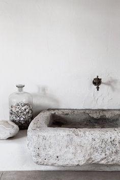bathroom sink | @joannechan00