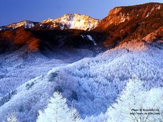 The snow melts away when the morning sun reaches the hills. Winter In Japan, Morning Sun, Snow, Outdoor, Winter, Outdoors, Outdoor Games, The Great Outdoors, Eyes