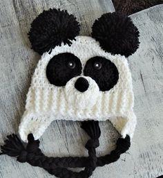 Use pom poms for ears Crochet Bear Hat, Crochet Panda, Crochet Kids Hats, Crochet For Boys, Cute Crochet, Crochet Animals, Knitted Hats, Animal Hats, Crochet Projects