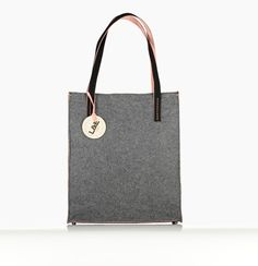 Non-leather Handbags & Accessories designed for the jet-setting go-getter. L&E London is a world of Luxury Multifunctional and versatile Handbags - Ethically Handcrafted in Europe by master craftsman London Bags, Morgan, Multifunctional, Handbag Accessories, Travel Bags, Leather Handbags, Craftsman, Luxury, Chic