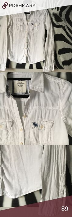 "Classic A&F Button Down Classic Abercrombie and Fitch white button down shirt. Size small. 100% cotton, very soft! In preloved condition; no stains, tears or odors. Measures approx 23.5"" in length.                             🦄30% off bundles 3+!🦄 Abercrombie & Fitch Tops Button Down Shirts"