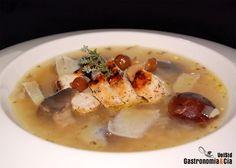 Doce recetas de sopa con setas