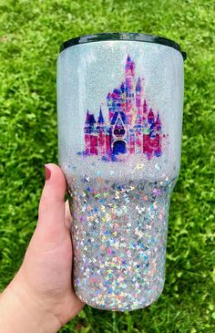 I want it to look just like this. Disney castle, silver glitter, just like this pic Diy Tumblers, Custom Tumblers, Glitter Tumblers, Glitter Cups, Silver Glitter, Christmas Tumblers, Disney Cups, Tumbler Cups, Tumbler Stuff