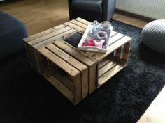 Appelkisten tafel voor in Utrecht. Zelfmaken Utrecht, Table, Furniture, Home Decor, Homemade Home Decor, Mesas, Home Furnishings, Desk, Decoration Home