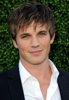 Matt Lanter has a big couple of months ahead of him. Not only is he gearing up for the return of but in two weeks we'll see him do his best Edward Tween Boy Haircuts, Popular Boys Haircuts, Teen Boy Hairstyles, Cool Haircuts, Haircuts For Men, Easy Hairstyles, Hairstyle Ideas, Long Hair Cuts, Long Hair Styles