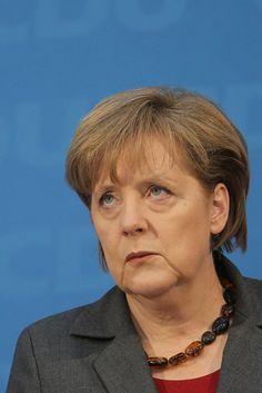 AfD kündigt Strafanzeige gegen Merkel wegen Asylpolitik an