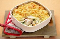 Tasty Seafood Au Gratin Recipe with Fish and Crab or Shrimp-Seafood au gratin with fish and crab or shrimp. This is a delicious seafood twist on a traditional comfort food recipe. Seafood Au Gratin Recipe, Creamy Seafood Bisque Recipe, Hp Sauce, Seafood Recipes, Cooking Recipes, Shellfish Recipes, Meat Recipes, Simply Yummy, Fish And Chips