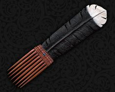hand carved wooden Huia Tail Feather Comb, Maori Kotore Huia Heru, New Zealand Hair Comb. from TuwharetoaBone in Sydney, Australia Wooden Feather, Polynesian People, Maori Patterns, Feather Drawing, Maori Designs, Shark S, Maori Art, Feather Necklaces, Bone Carving