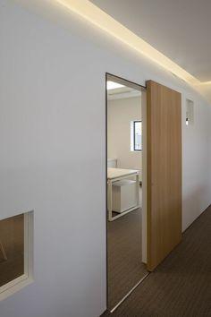 Sliding Door Design Ideas Stainless Steel 19 Ideas For 2019 Wooden Sliding Doors, Sliding Room Doors, Sliding Door Design, Sliding Wall, Bathroom Doors, Bathroom Cabinets, Interior Barn Doors, Exterior Doors, Internal Doors