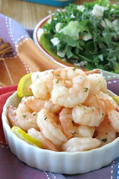 Make tender, perfectly cooked shrimp every single time using this easy skillet shrimp recipe that's ready in 10 minutes! Add to soups, salads and more for no-fuss dinners! #shrimp #easyrecipes