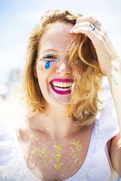 Chorando lágrimas de purpurina:   18 ideias de maquiagens incríveis para você pesar a mão sem dó no carnaval