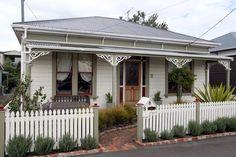 victorian villa nz - Google Search Edwardian House, 1930s House, Victorian, New Zealand Architecture, Outside Paint, Facade House, House Facades, Paint Colors For Home, Paint Colours